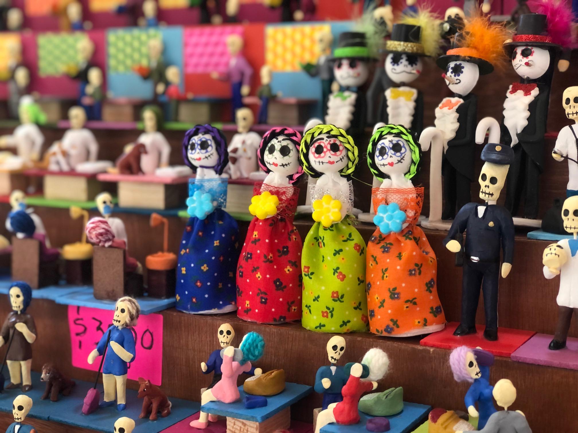 Elementos de la Feria del Alfeñique además del chocolatee
