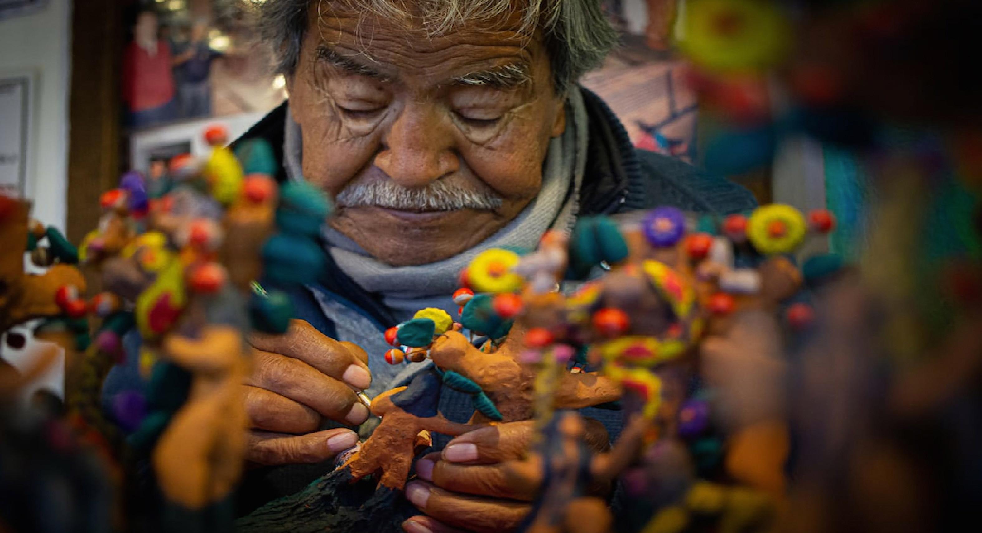 Artesanías mexicanas y los árboles de la vida en Metepec