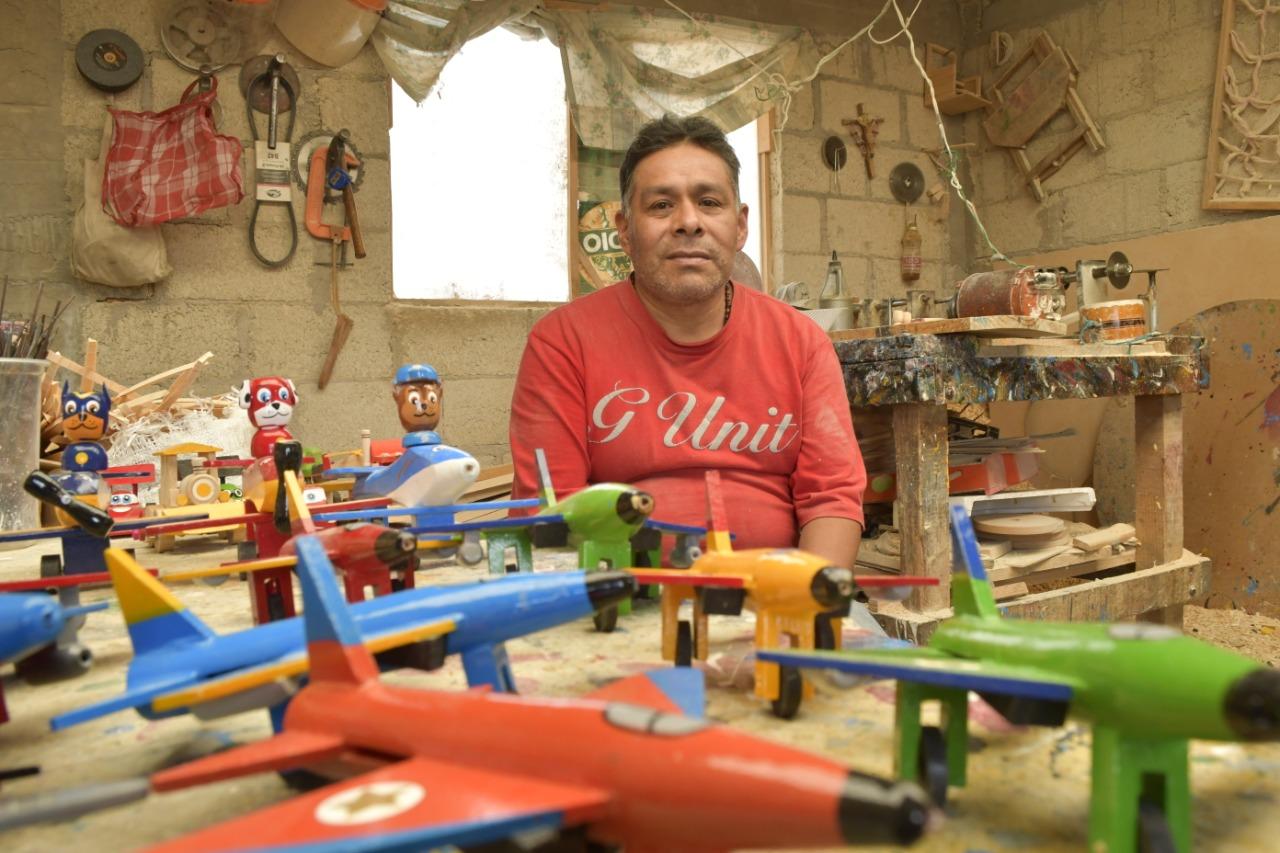 edomex-san-antonio-la-isla-el-paraiso-de-los-juguetes-de-madera-creados-por-artesanos-mexicanos-2-160494
