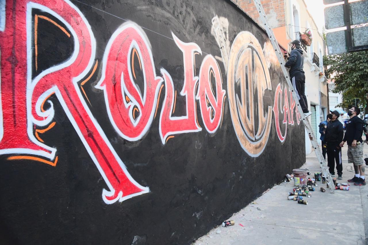 toluca-fc-orgullo-gloria-y-tradicion-plasmada-en-calles-de-la-ciudad-por-el-colectivo-rojo-capo-1-video