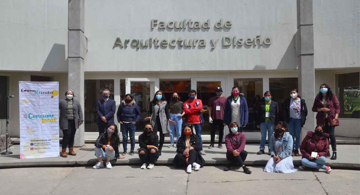 EmprenDescubre, bazar universitario de la comunidad de alumnos y egresados de la UAEMéx, esta edición se llevó a cabo en la Facultad de Arquitectura y Diseño