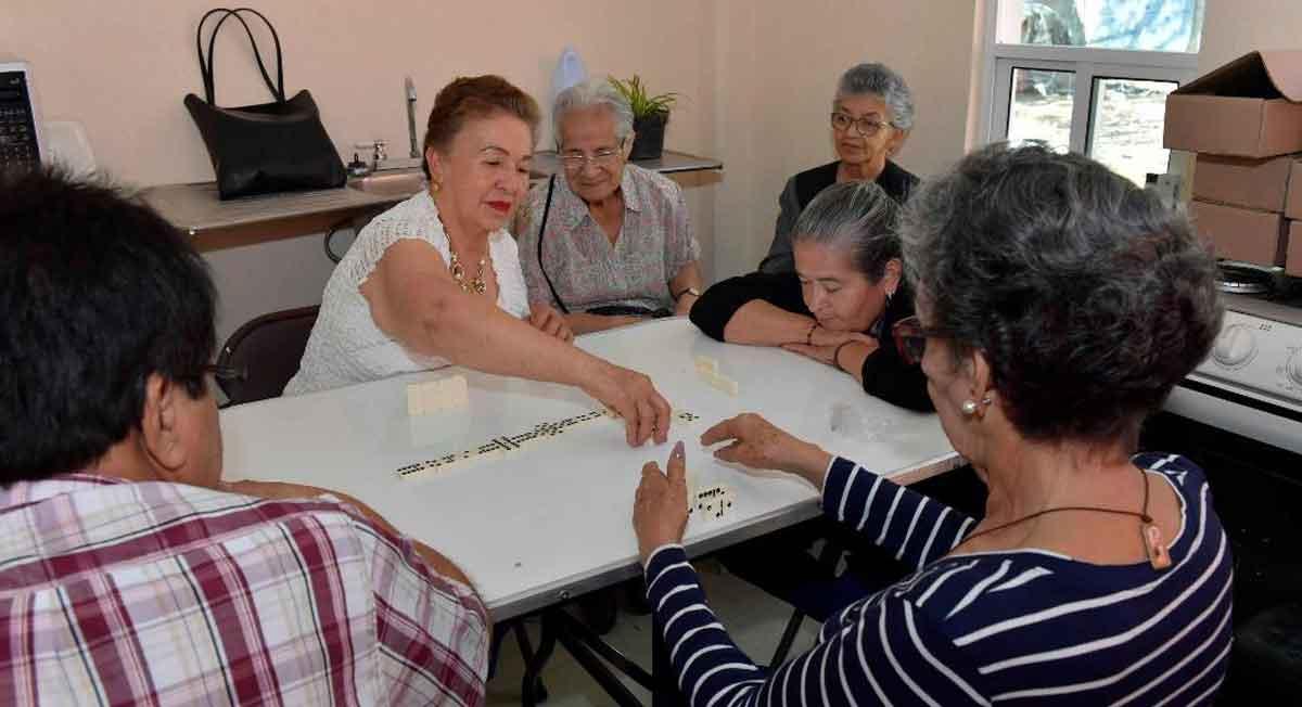 Pensión Bienestar 2021 para personas de la tercera edad, es un apoyo de 3 mil cien pesos que ofrece el gobierno, aquí te decimos qué requisitos necesita y cómo se realizará el trámite