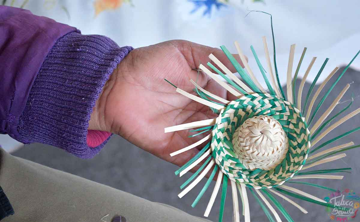 Conoce las maravillosas artesanías palma que elaboran en Toluca.