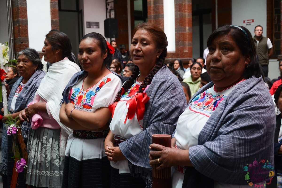 Conoce el chincuete, la vestimenta tradicional de las mujeres Otomíes de Temoaya
