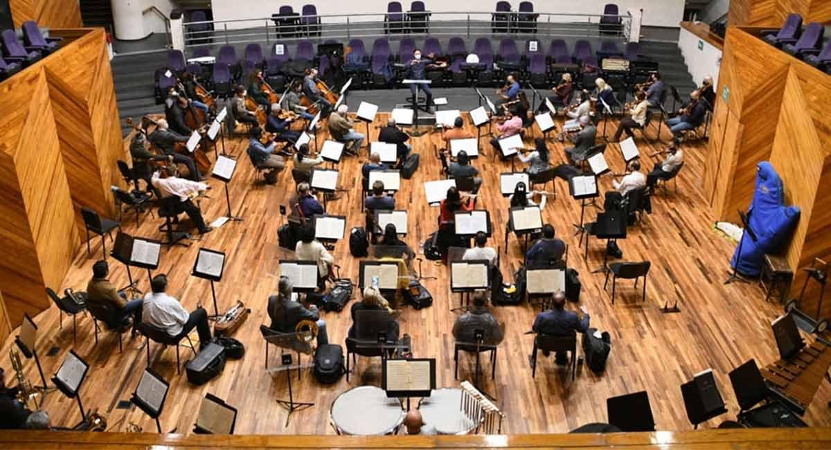 Asiste al concierto de la Orquesta Sinfónica del Estado de México en Toluca