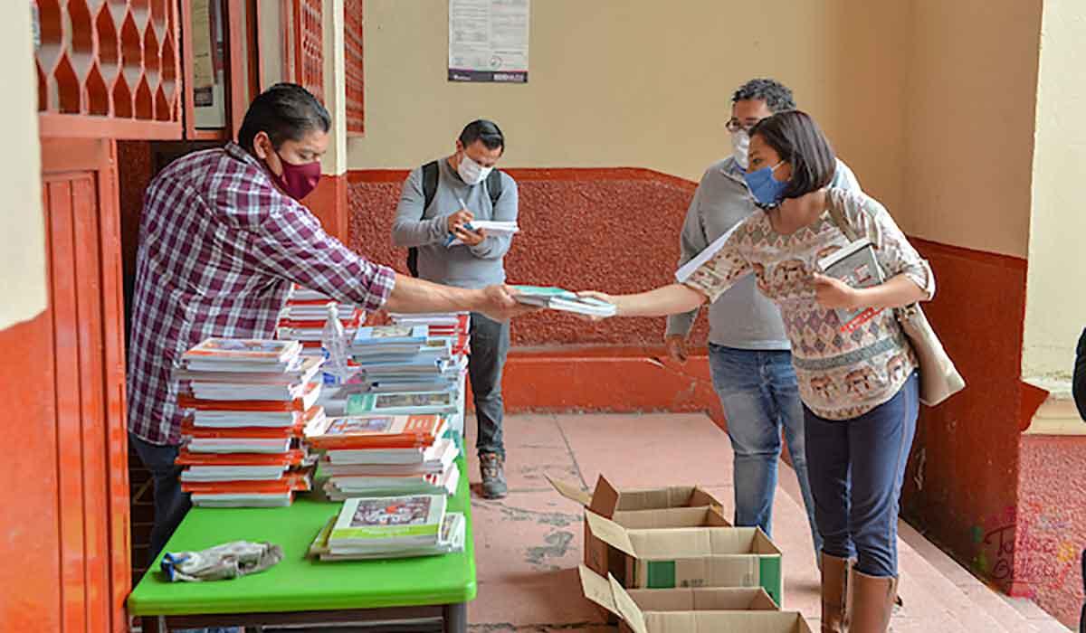 Libros de texto gratuitos del ciclo escolar 2021-2022 - fechas y lugar de entrega